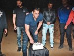 Salman Khan: Core details on Bhaijaan's 53rd birthday shah rukh khan and aamir khan missing salman khan's birthday bash: read why? Shah Rukh Khan and Aamir Khan missing Salman Khan's birthday bash: Read why? 15 2 150x113